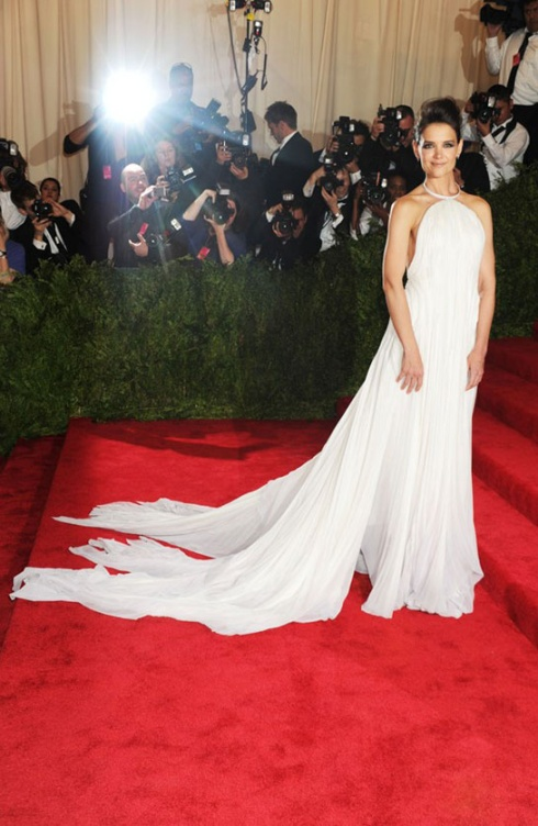 Oh no Katie Holmes, you chose the bad dress! See the back? OMG! Dress signed Calvin Klein...