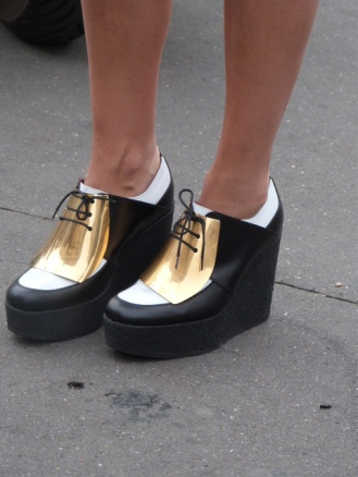 Zoom on: shoes