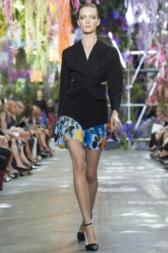 "1st look: very Dior by Raf SImons, announces the theme of the collection, very ""impressionist"""