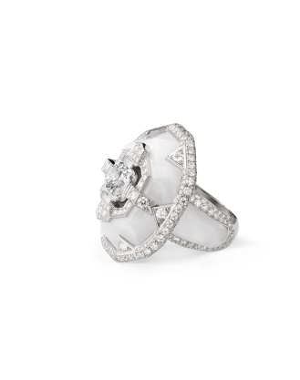 Ring in platinum and frosted rock crystal, set with brilliant-cut diamonds and a cushion-cut FVVS1 diamond of 3.03 carats.