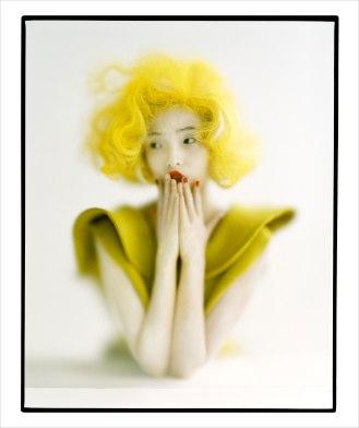 Tim Walker, Xiao Wen in Sherbertyellow Marilyn Wig © Tim Walker