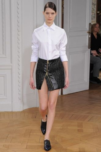 Look 16: Bouchra Jarrar is a young french designer officially accredited by the Haute Couture label. No need of description, this super simple look is so easy-to-wear! You must love it. I loved the twist with the asymmetrical skirt and the work on it is so couture!