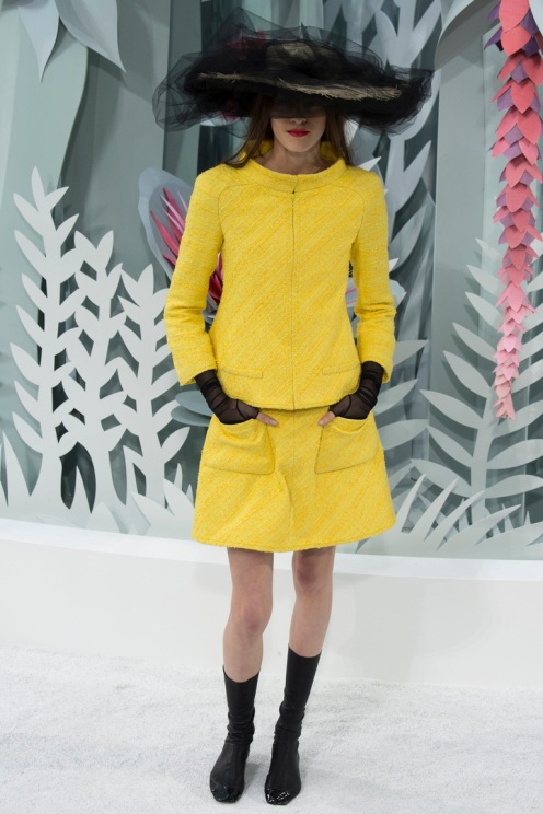 Look 3: When I attended the Chanel show, it was on Tuesday morning, I was amazed at the opening looks. I love colors so much and here Karl decided to play with them, reminders of flowers' beauty. Impeccable tailoring, perfect design and beautiful color. And the hat… So edgy!