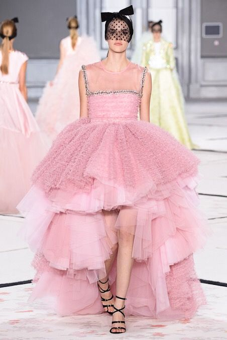 Look 45: This Giambattista Valli dress is absolutely breathtaking. But it would be more current for an American starlet like Justin Bieber's girlfriend than for a real charismatic celebrity. And this soft pink would be perfect for such a mediatic event.