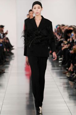 """Look 19: John Galliano presented his first show since 2012 for the Haute Couture label """"Artisanal"""" of Maison Martin Margiela. I didn't go to the show for it was a very private event in London but I can say I loved this look. In fact, I really liked the way the feathers were sewed on the waist, which were also applied on the sleeves. And black on black this is so elegant!"""